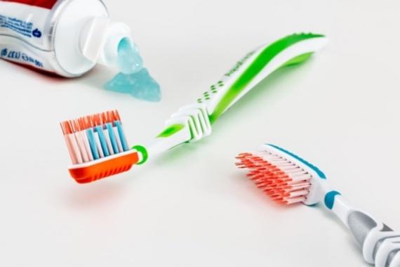 Zahn- und Mundhygiene-
